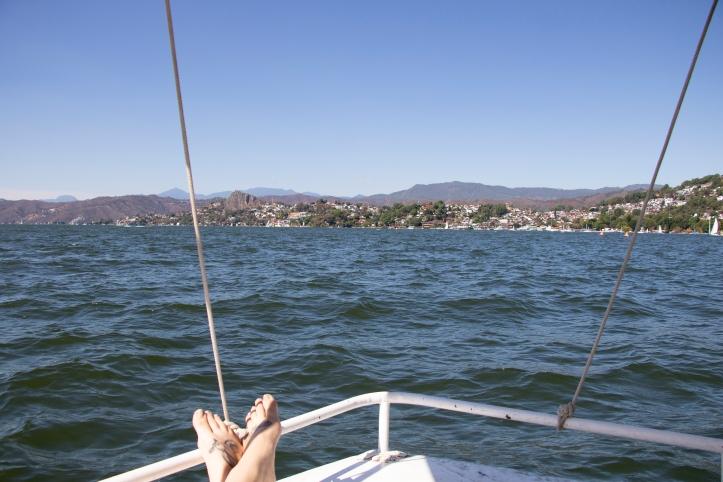 boating on lake avandaro